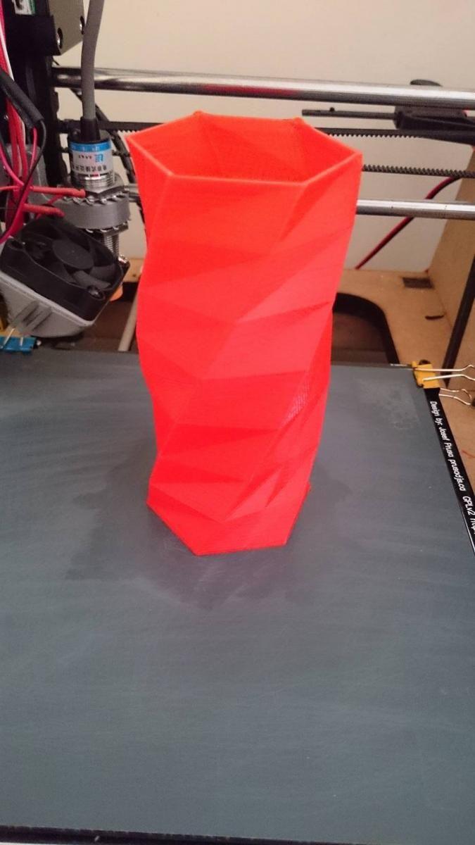 Twisted 6-sided Vase Basic