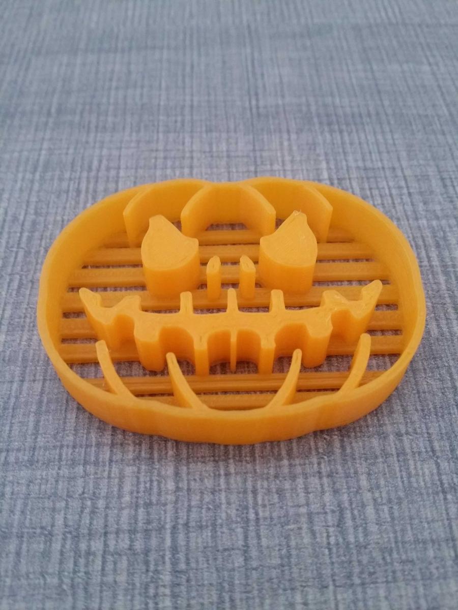 halloweencookiecutter.jpeg