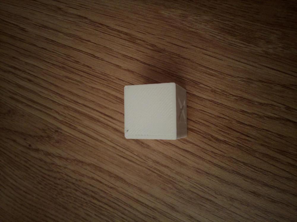 cube blanc.jpg