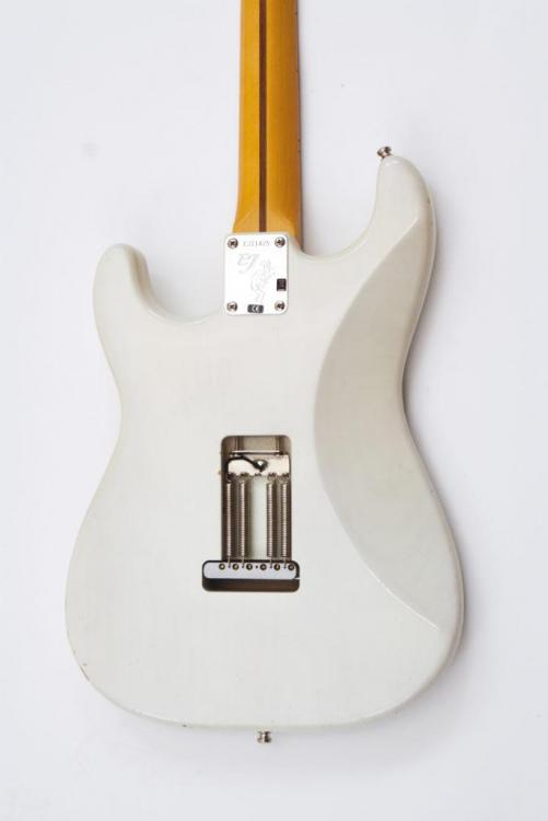 fender-Johnson-Back-1024x683.thumb.jpg.ad9504d40294d9f7c10664fe507fa3c4.jpg