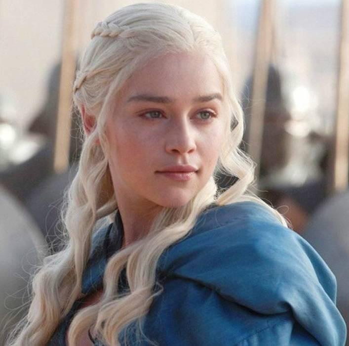 Game-of-Thrones-Daenerys-Targaryen-Emilia-Clarke.jpg.b45ca60d4eea866c82dac4fa90328074.jpg