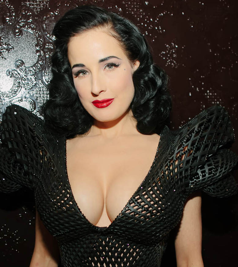 Dita Von Teese shows off 3D printed dress