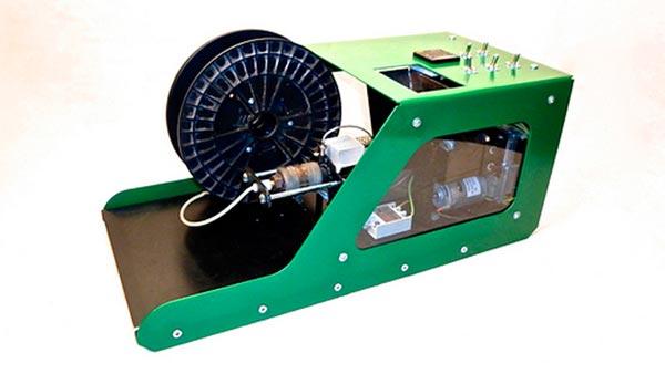Filabot la machine qui recycle le vieux plastique les imprimantes 3d fr - Machine pour recycler le plastique ...