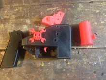 Pistolet imprimé en 3D désassemblé