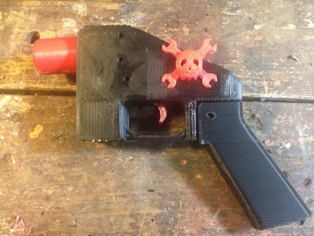 Pistolet imprimé en 3D assemblé