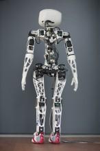 Poppy le robot de dos