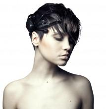 Emotiv EPOC Neuroheadset sur un modèle femme