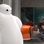 Big Hero 6 : Baymax qui met son armure