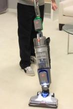 Fixation batterie pour aspirateur Hoover