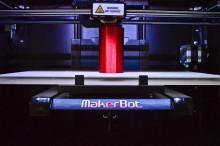 Impression 3D du sabre laser de Star Wars VII avec une imprimante 3D Makerbot Replicator