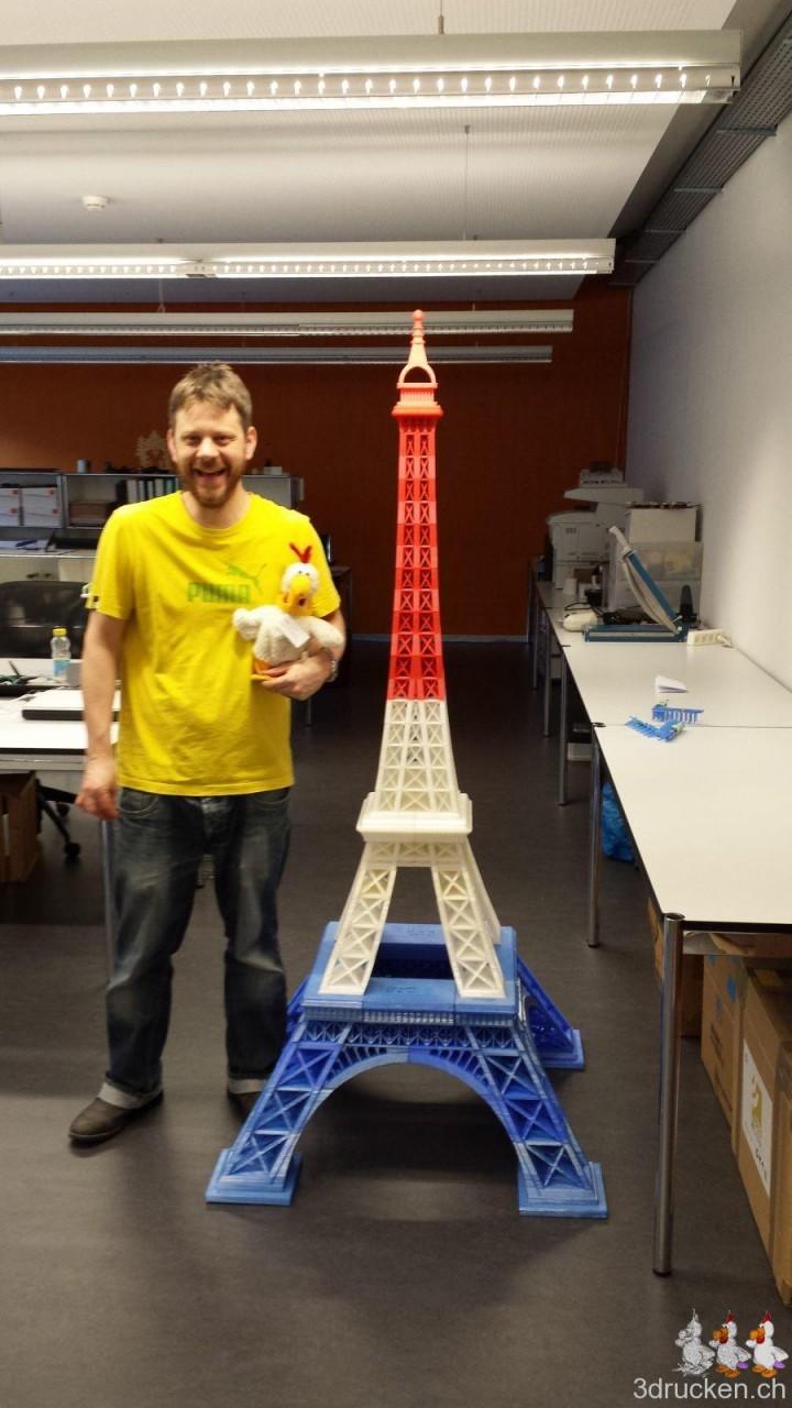 Gregor Luetolf et sa tour Eiffel imprimée en 3D