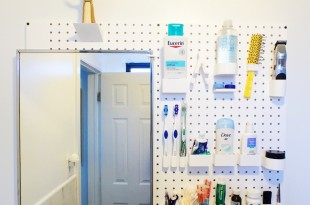 pegboard salle de bain