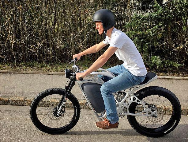 photo moto imprimée en 3D Light Rider APWorks Airbus
