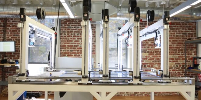 CES 2017 : Cronus, l'imprimante 3D grand format par Titan Robotics et Autodesk